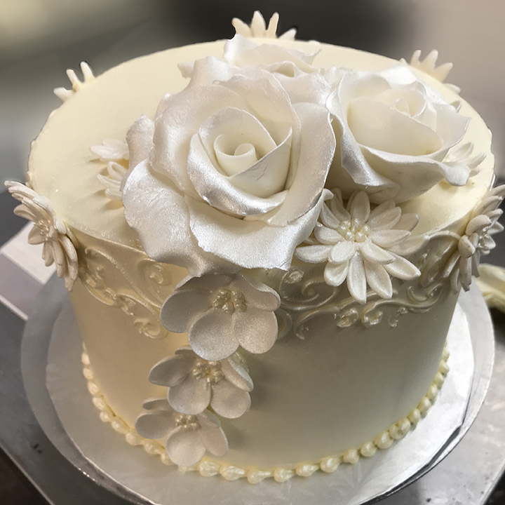 Beautiful white on white 1-tier wedding cake by Willow Cakes & Pastries