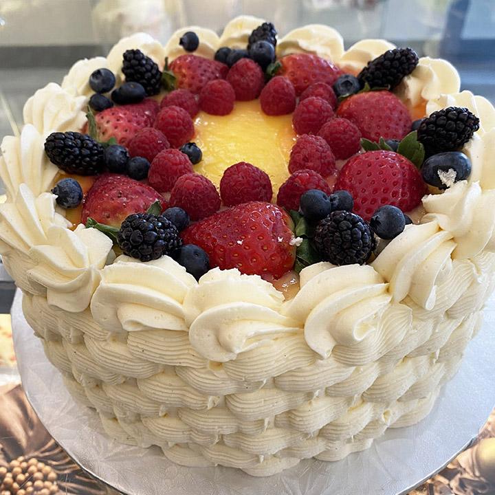 Lemon Curd & Raspberry Cake